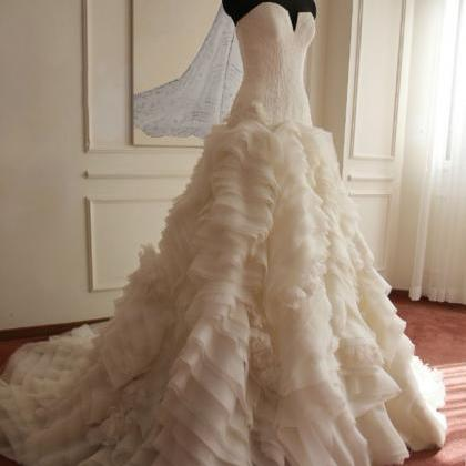 Elegant Ball Gown Puffy Wedding Dre..