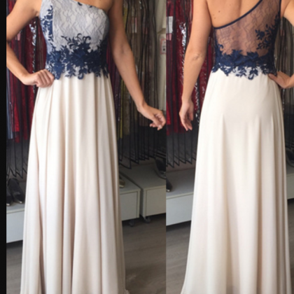 Applique Floor-Length Elegant One-S..