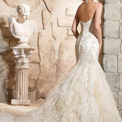 Ivory wedding dress, sweetheart sty..