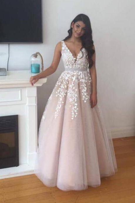 V-Neck Appliques Lace Prom Dresses Gorgeous Tulle Prom Gowns Evening Dresses