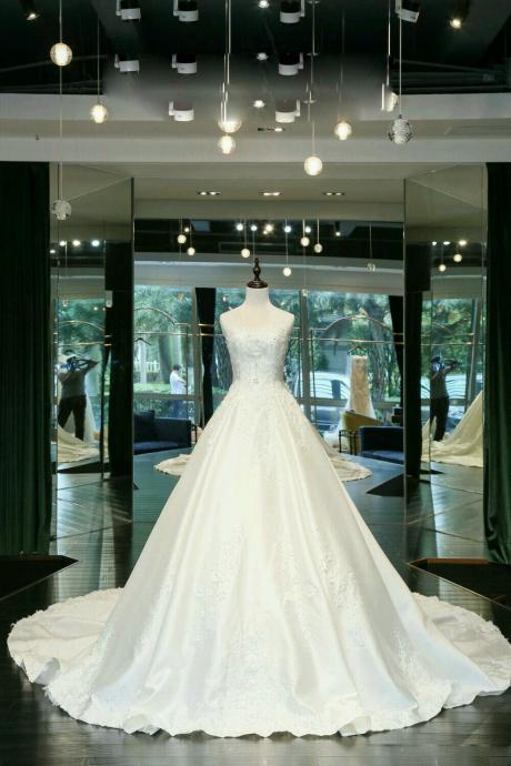 Elegant Wedding Dress, Wedding Dresses,Wedding Dress,Wedding Gown,Bridal Gown,Bride Dresses, Satin Wedding Gown,Lace Bridal Dresses,Beaded Wedding Gowns,Sweetheart Wedding Gown,A-line Bridal Gown,Chapel Train Wedding Dress,Sequined Wedding Dress