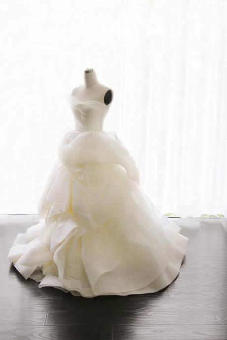Ball Gown Wedding Dress, Wedding Dress,Wedding Dress,Wedding Gown,Bridal Gown,Bride Dresses, Puffy Wedding Dress,Sweetheart Neck Wedding Dress,Organza Bridal Dresses,Tiered Wedding Dress,Ruffles Bridal Dress,
