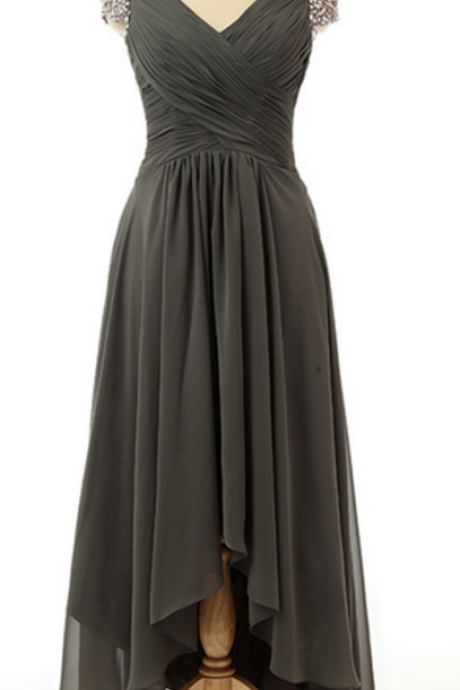 Elegant a line of chiffon with a long evening gown with a v-neck zipper floor-length party gown