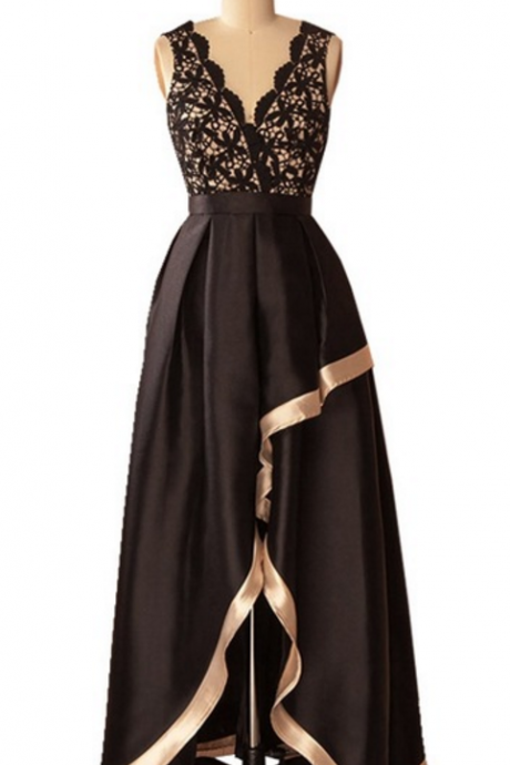 A new evening gown with a sleeveless blouse and a black African black evening dress