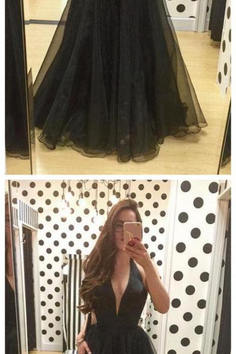 Simple Halter Black Plunge Neckline Prom Dresses Formal Evening Dresses