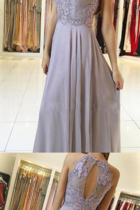Simple Elegant Floor-length Halter Lace Appliques Top Sleeveless Open-back Prom Dress