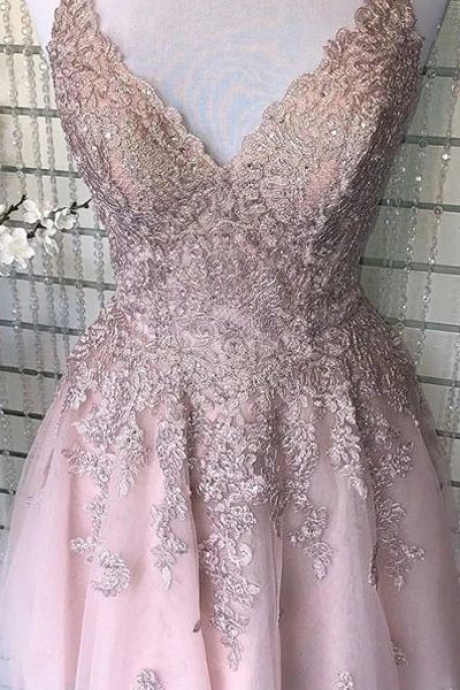 Ruby Outfit A-line Spaghetti-straps V Neck Homecoming Dress, Lace Short Prom Dress
