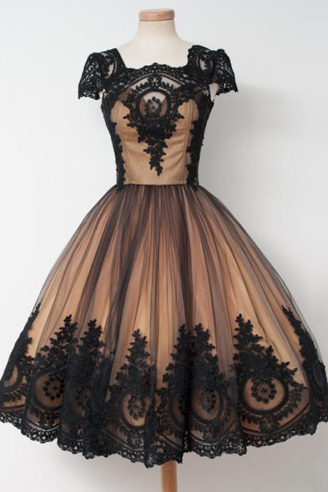Short Prom dress Party Dress Awesome Knee-Length Square Cap Sleeves Ball Gown Homecoming Dress with Black Lace