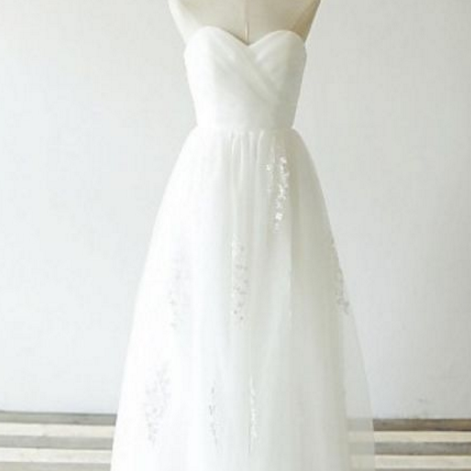 Sleeveless Ivory Wedding Dress with Appliques Lace